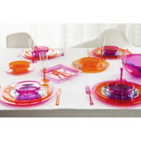 kit d 39 assiettes et de couverts en plastique rose framboise. Black Bedroom Furniture Sets. Home Design Ideas